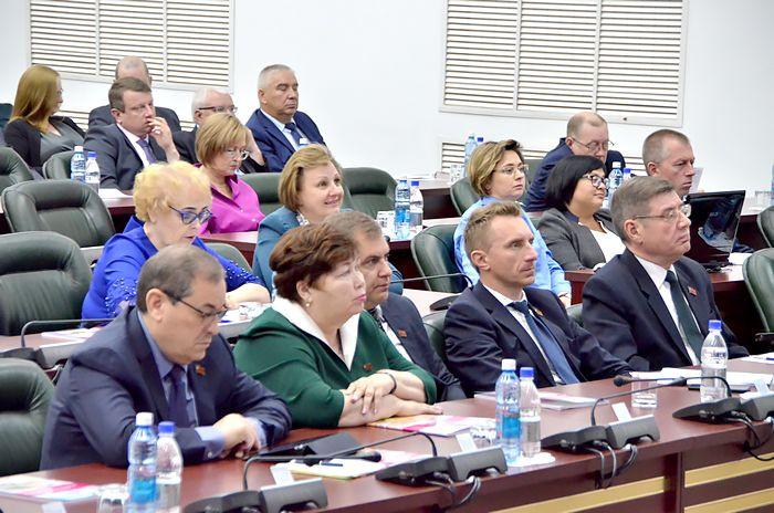 Депутаты назначили дату досрочных выборов губернатора Кемеровской области