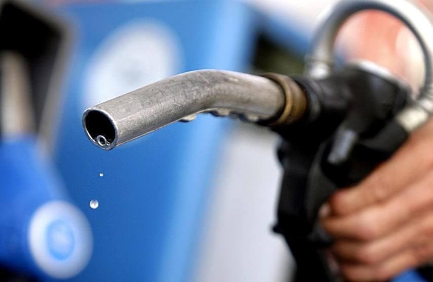 В России бензин в мае подорожал на 5,6%