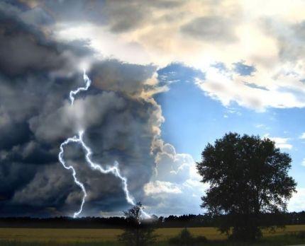 Синоптики: в Кузбассе ожидаются сильный ветер, ливни и град