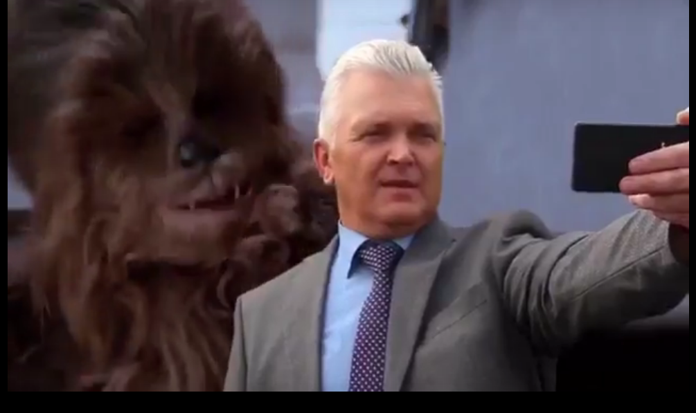 """В Новокузнецке чиновники снялись в клипе в стиле """"Звездных войн"""""""