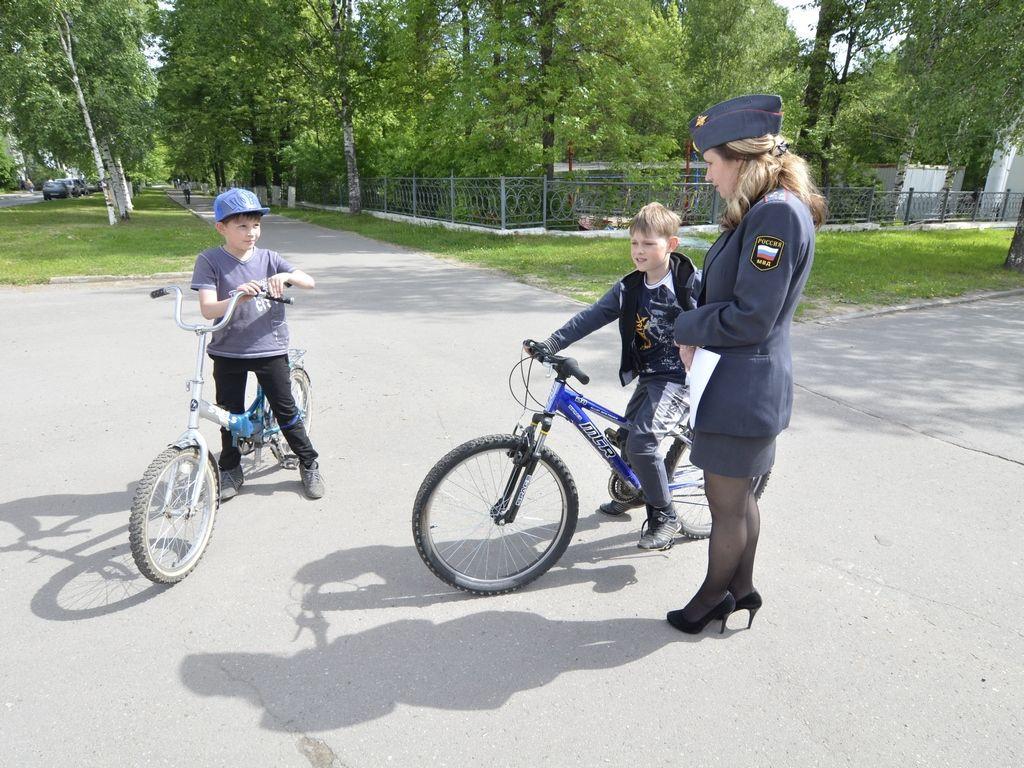 В Прокопьевске сотрудники ГИБДД привлекли к ответственности родителей несовершеннолетних велосипедистов-нарушителей