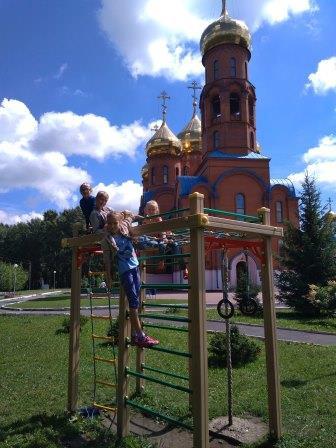 В Прокопьевске открыли детский летний лагерь при православном храме