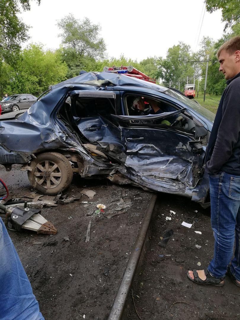Жесткое ДТП произошло в Прокопьевске: пострадали 2 человека
