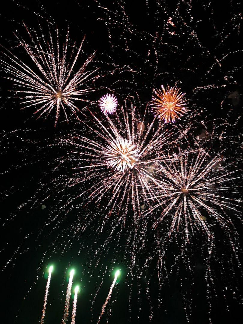 Красивым фейерверком завершился в Прокопьевске концерт в честь Дня города и Дня шахтера (фото, видео)
