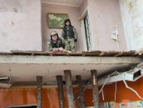 Три человека пострадали при обрушении крыши на одном из предприятий Кемерова