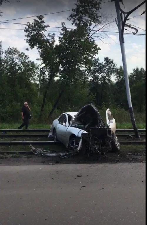 Жесткое ДТП в Прокопьевске: иномарку выбросило на трамвайные пути