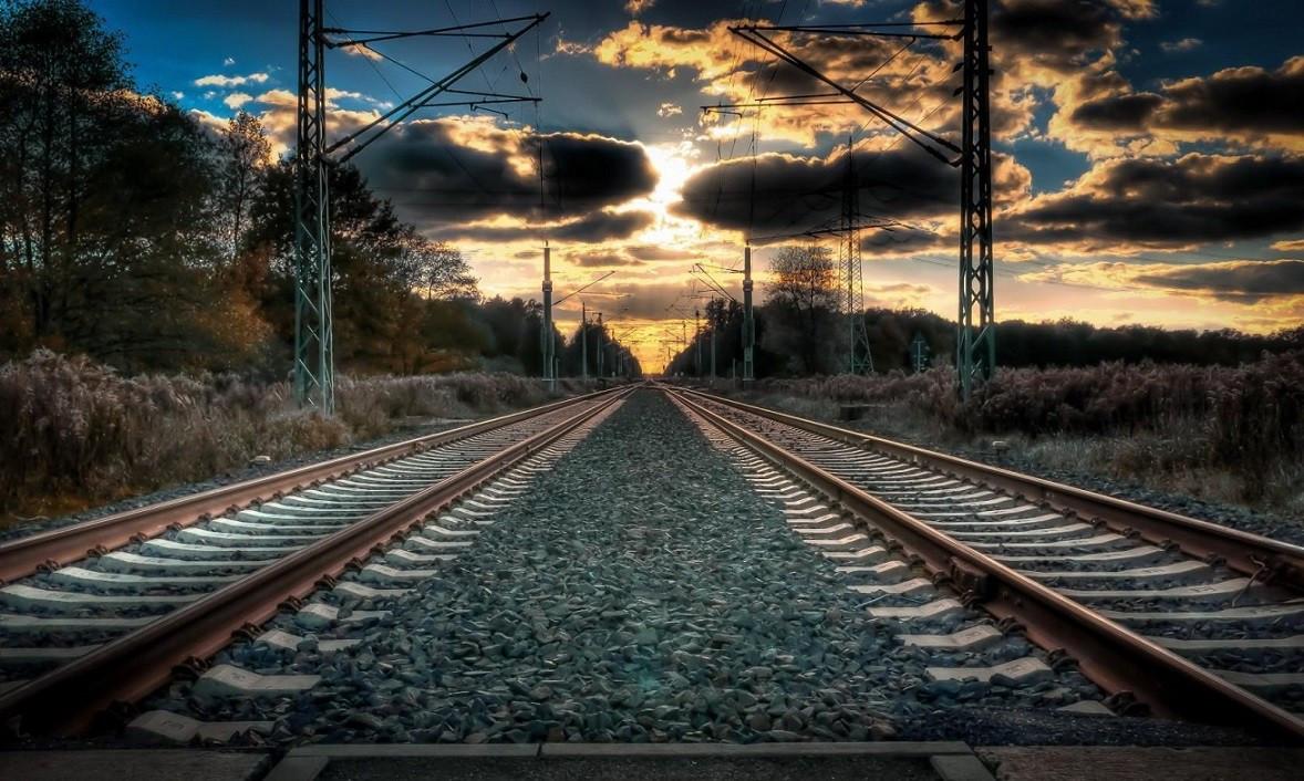 В Кузбассе поезд сбил 20-летнего парня