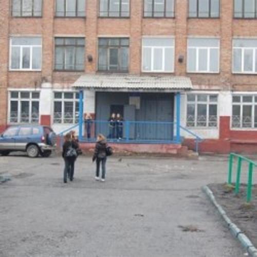 Из прокопьевской школы экстренно эвакуировали школьников и педагогов