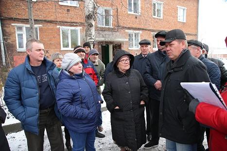 Власти Прокопьевска побывали с проверкой на Красной горке и Ясной поляне