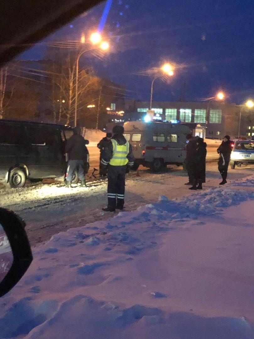 В Прокопьевске автолюбитель наехал на снегокат с ребенком