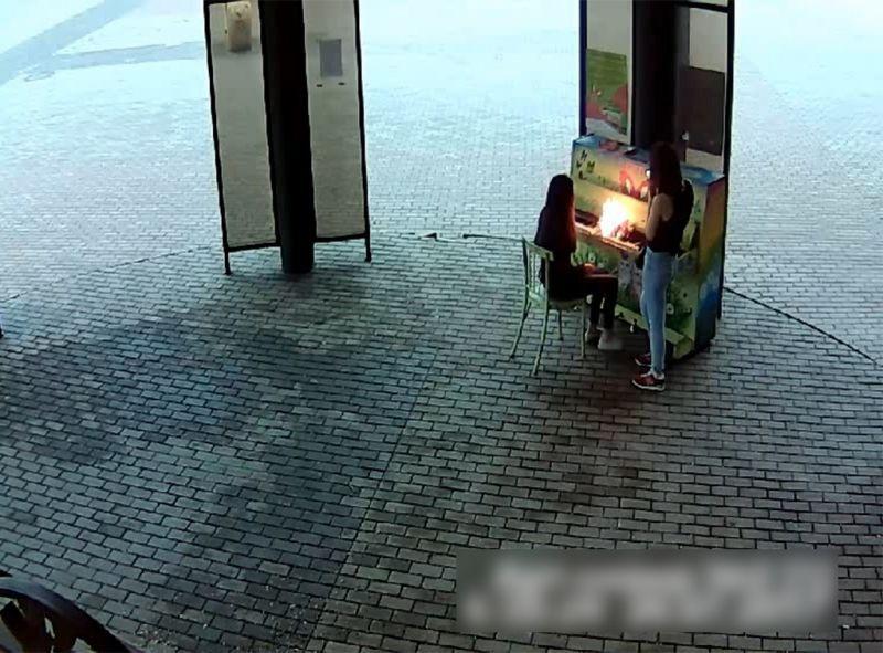В Новокузнецке задержали поджигательниц пианино