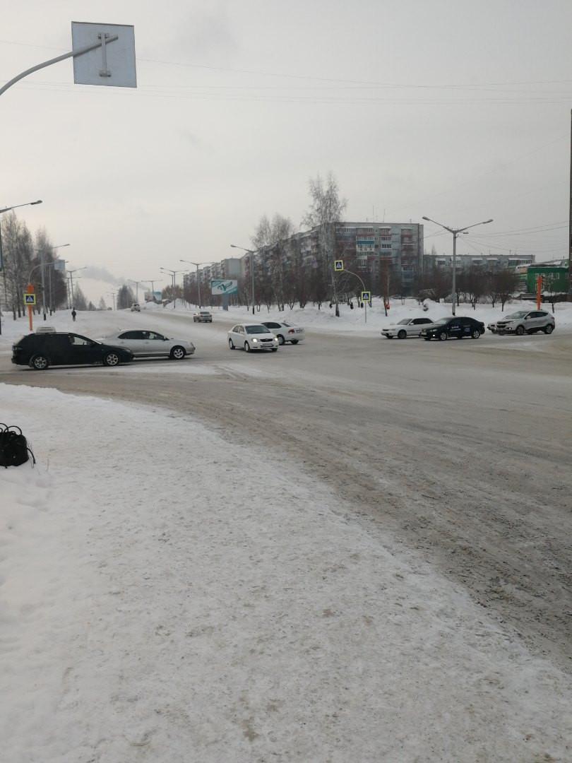 Внимание! В Прокопьевске на перекрестке у фонтана не работает светофор