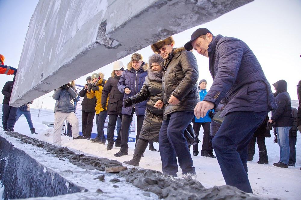 Сергей Цивилев посетил строительную площадку нового жилого дома в Киселевске