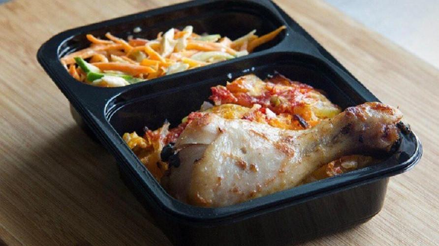 Роспотребнадзор предлагает запретить школьникам приносить еду из дома