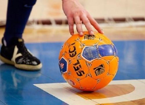 В Прокопьевске тайбоксеры устроили соревнования по мини-футболу