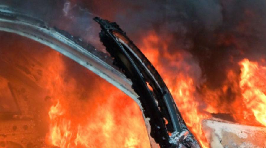 В Кузбассе за сутки сгорело 4 автомобиля: комментарий специалистов