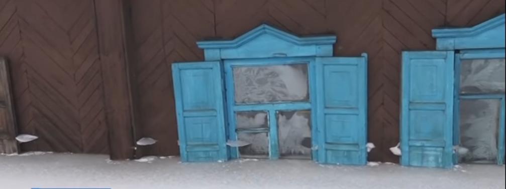 В Прокопьевске среди зимы жилые дома оказались по окна в воде