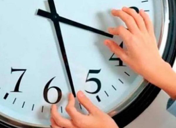 В России могут вернуть сезонный перевод времени